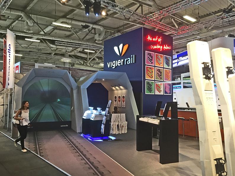 Virtuelle Gotthard Tunneldurchfahrt auf dem Vigier Rail Stand an der InnoTrans in Berlin. Agentur sta Projekte, Realisation und Montage Pure Polydesign / X-Light