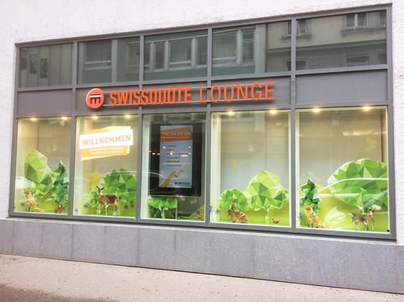 Realisation der Swissquote Lounge Schaufenster in Zürich und Bern / Agentur Maxomedia