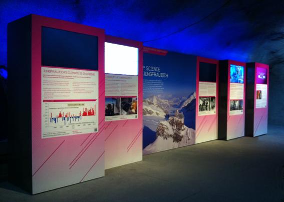 Wir sind zurück vom Jungfraujoch, die Ausstellung der Hochalpinen Forschungsstation auf 3500mm steht. Multimedial, ist ein echter Hingucker geworden. Im Auftrag von kargokomm.ch